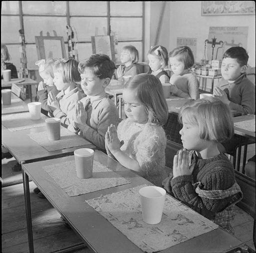 A_Modern_Village_School-_Education_in_Cambridgeshire,_England,_UK,_1944_D23624